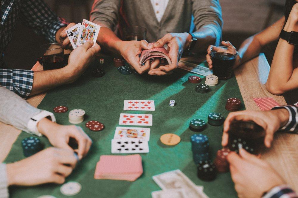 Quelles stratégies choisir pour jouer au poker?